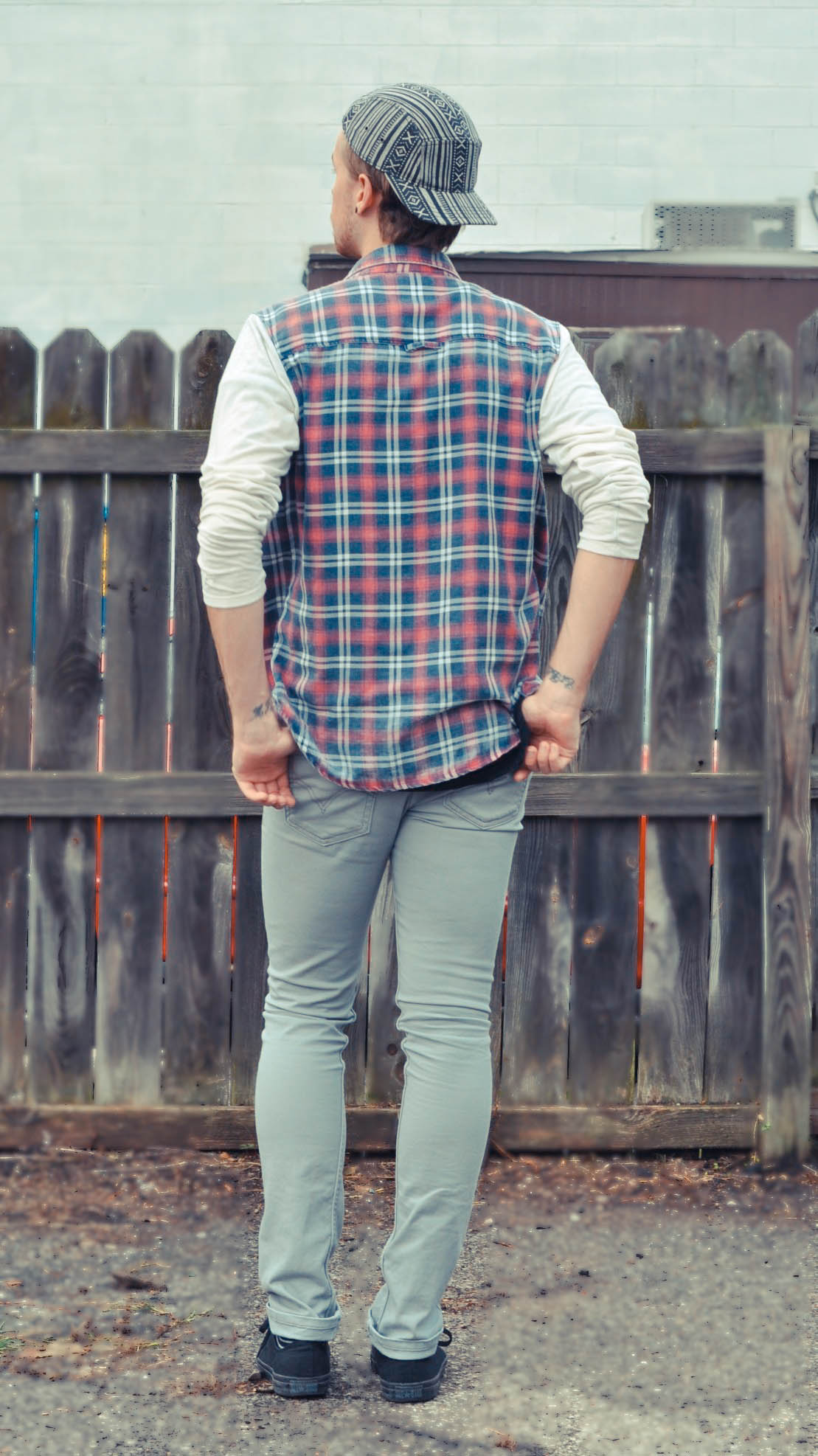 aztec-print-hat-forever-21-american-apparel-v-neck-t-shirt-color-fast-plaid-shirt-levis-jeans-chucks-converse