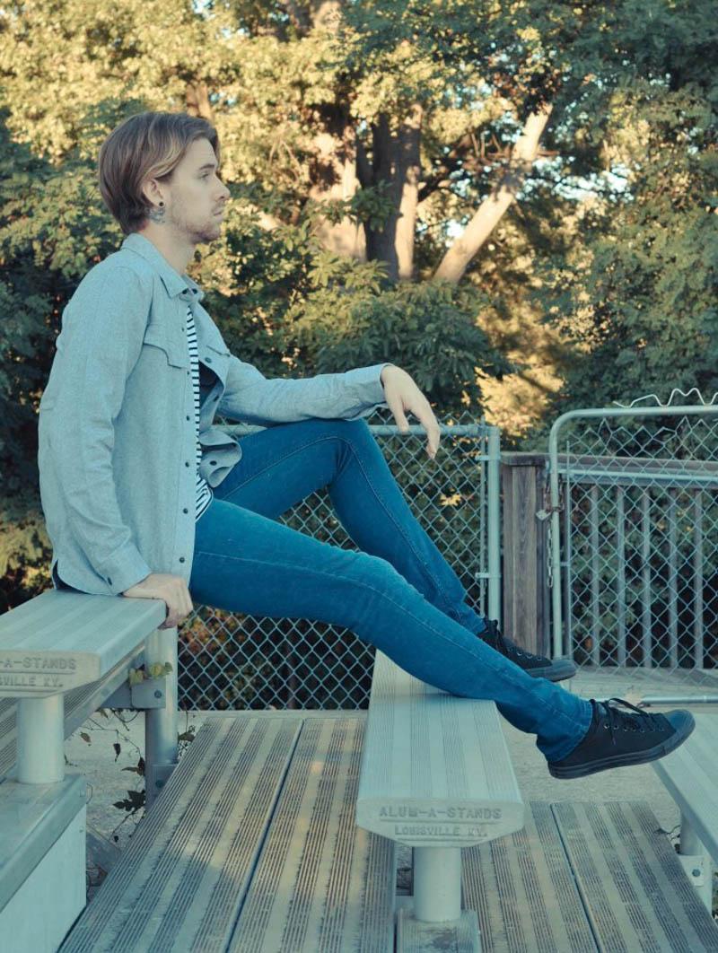 b-scott-shirt-topman-jeans-converse-chucks