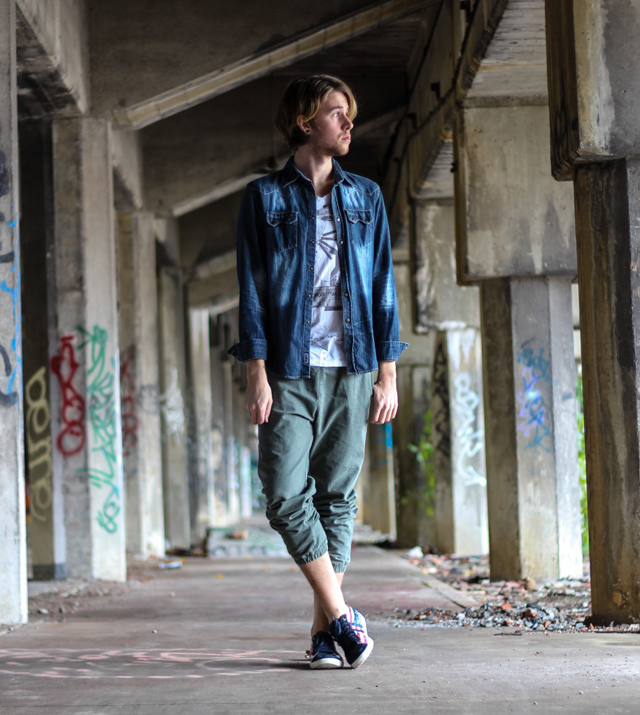 The Kentucky Gent in a Denim Shirt by JACHS, T-Shirt from Buffalo by David Bitton, Olive Jogger Pants from Topman, and American Flag Golas