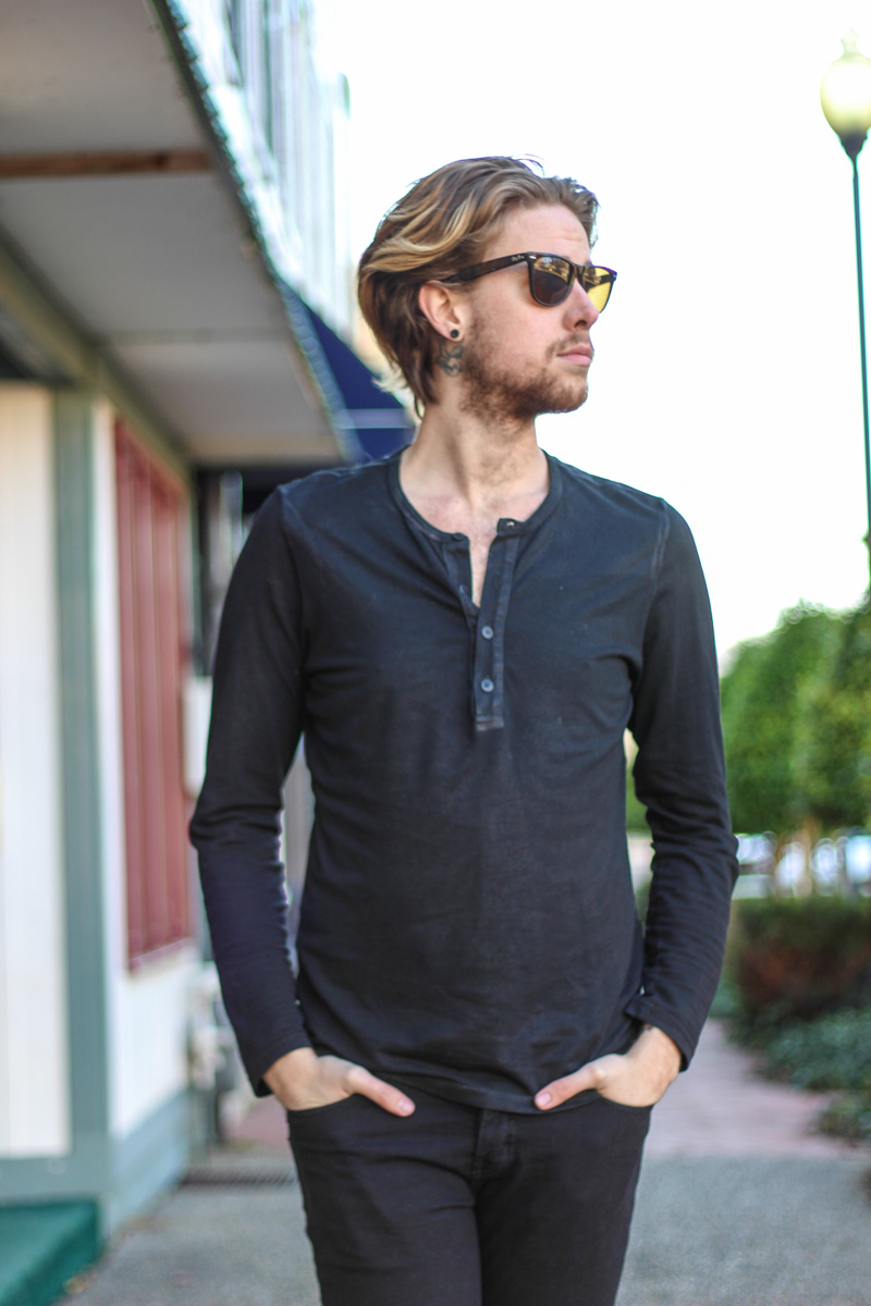 The Kentucky Gent in Kill City Waxed Long Sleeve Shirt, KR3W Black Jeans, Steve Madden Troopah2 Boots, Ray-Ban Wayfarers