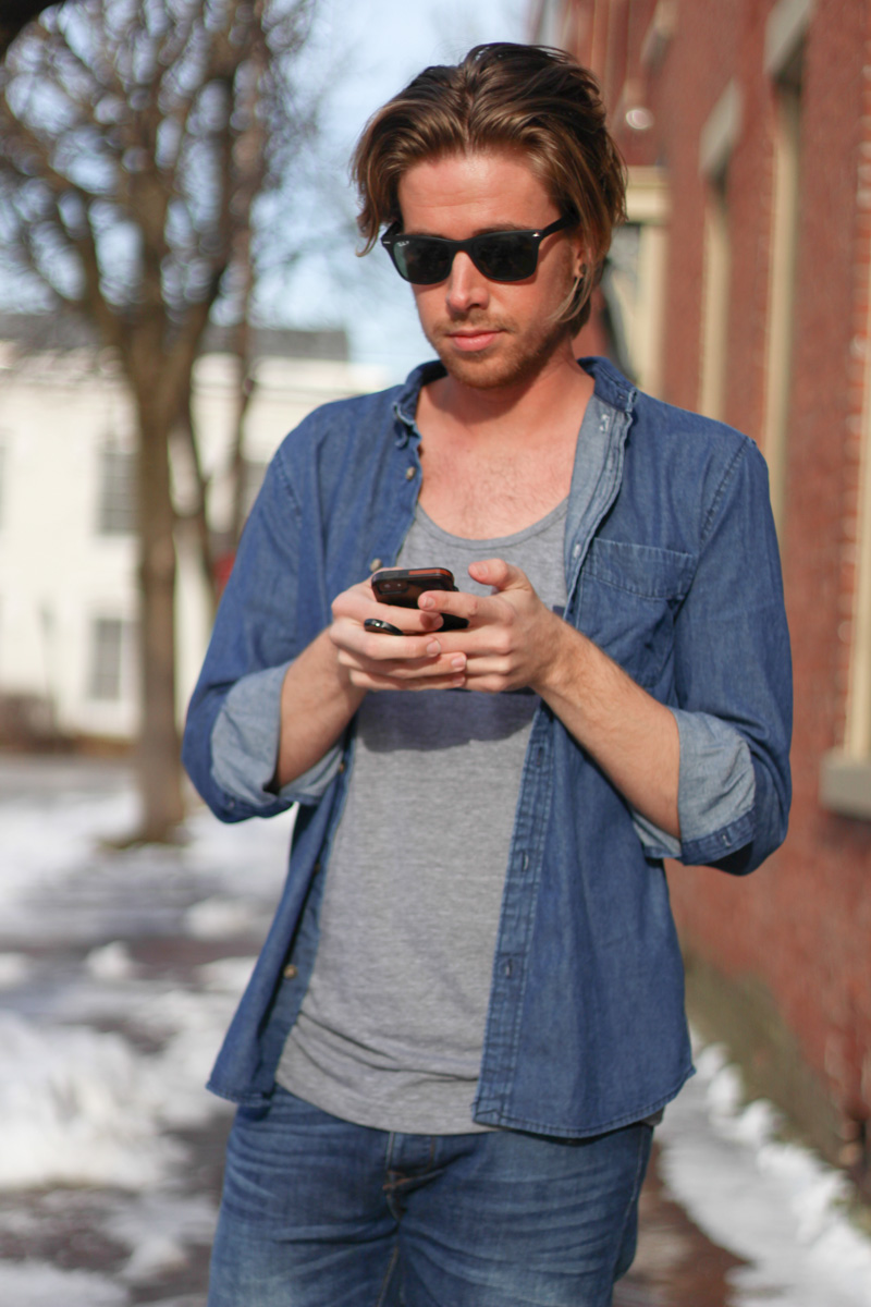 The Kentucky Gent in Kentucky For Kentucky Y'All Tank Top, Zara Jeans, H&M Denim Shirt, Ray-Ban Wayfarers, J Shoes Boots