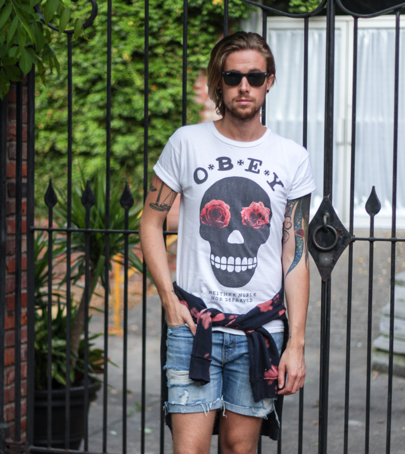 the-kentucky-gent-obey-sugar-skull-t-shirt-levis-shorts-devils-harvest-tie-dye-hoodie-converse-chucks-ray-ban-wayfarers-4