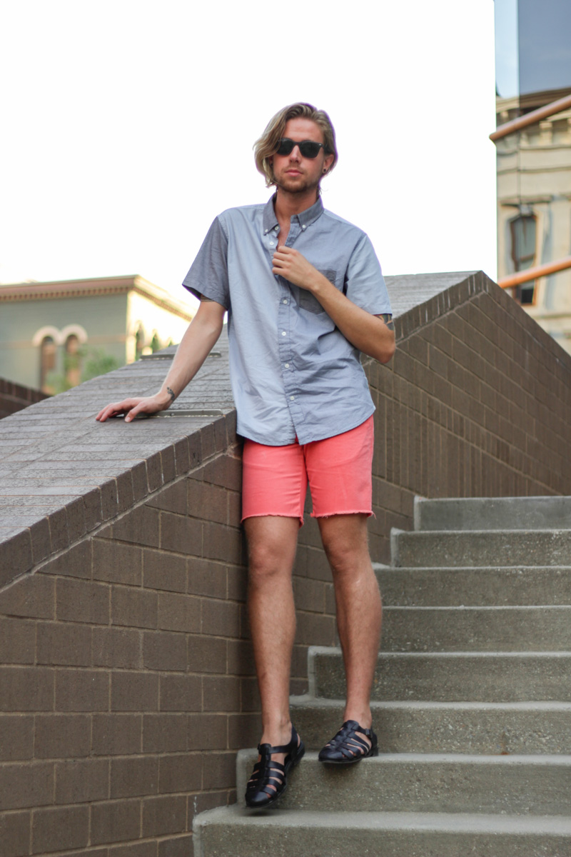 The Kentucky Gent in Aeropostale Color Block Short Sleeve Shirt, Hawkings McGill Cut Off Shorts, Zara Sandals, and Ray-Ban Wayfarers.