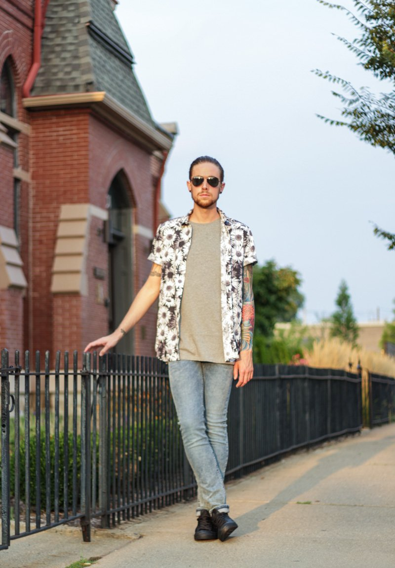 The Kentucky Gent, a men's fashion and lifestyle blogger, in Topman Daisy Shirts, Topman Muscle Shirt, Topman Acid Wash Denim Jeans, Leather Converse Chuck Taylors, and Ray-Ban Aviators.