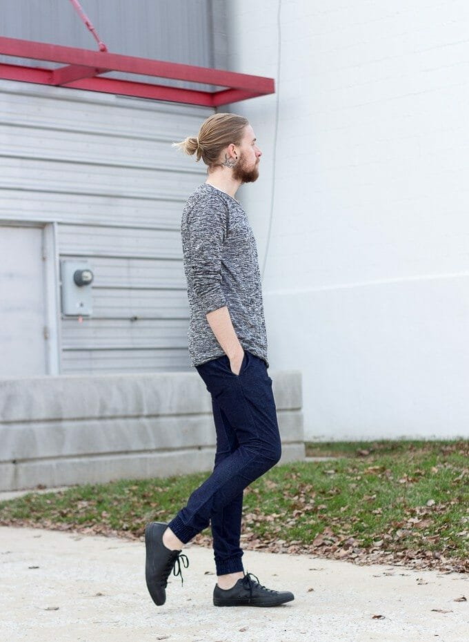 The Kentucky Gent, a Louisville, Kentucky based men's life and style blogger, in Zanerobe Joggers.