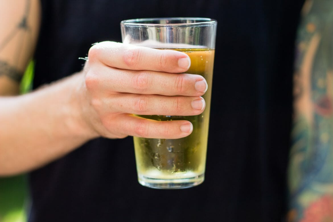 how to pour a beer, lets grab a beer, bud light lime, how to pour, summer drinks