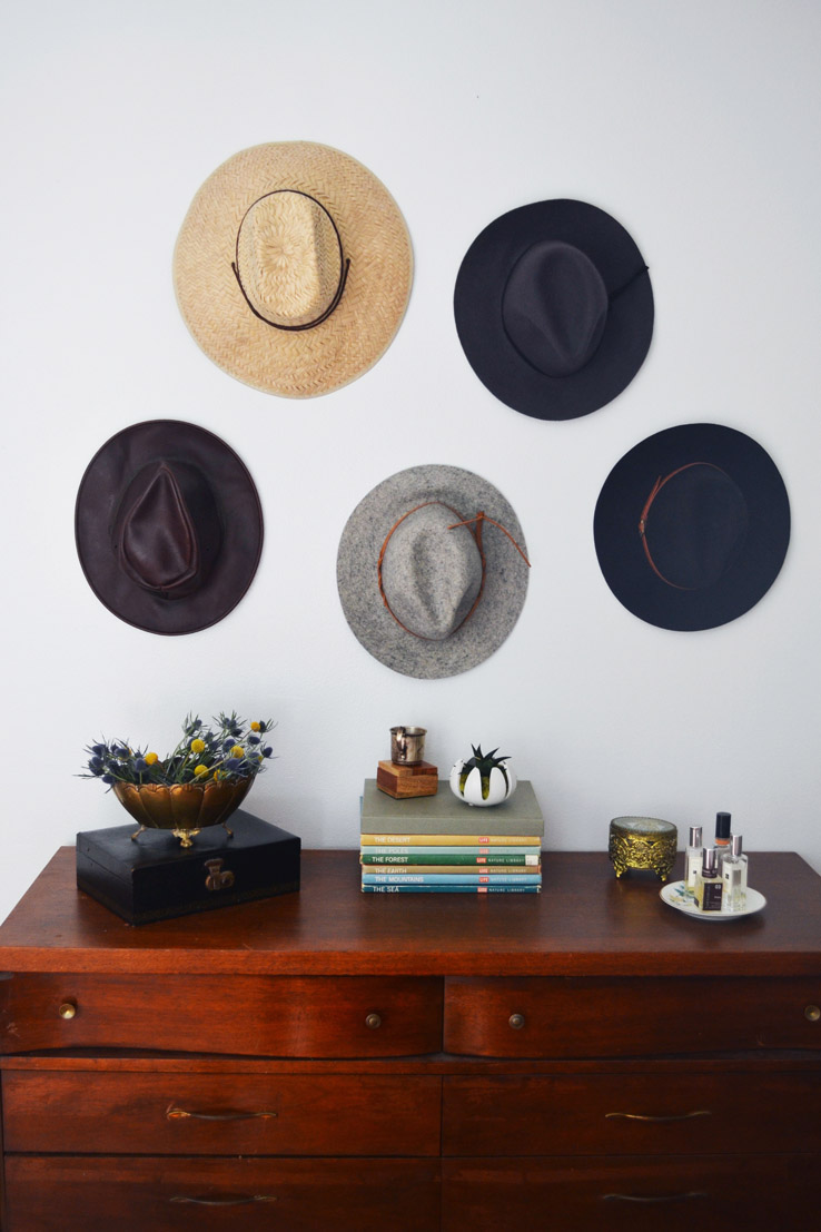 tips on rental decorating, how to decorate on a budget ,midcentury homes, west elm decorating tips